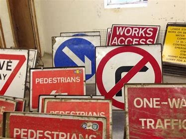 SIGN - THREE ARROWS LANE ONE CLOSED for hire in Sydney from Complete Hire
